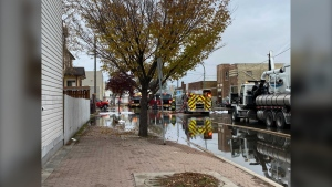 Part of Main closed on Sunday morning due to a building fire in the 800 block. (Image Source: Zachary Kitchen/CTV News)