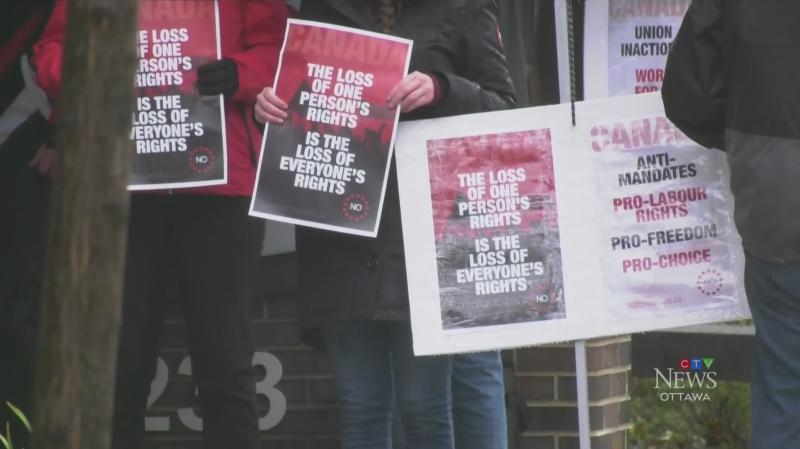 Protests over public service vaccine mandate