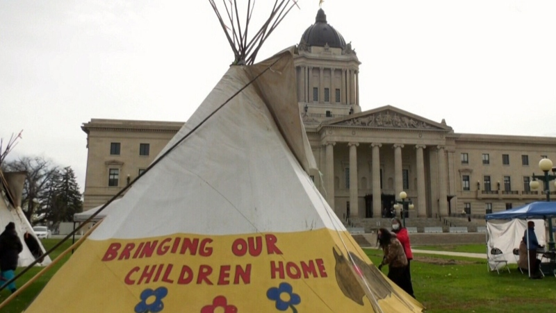 Child welfare agencies take province to court