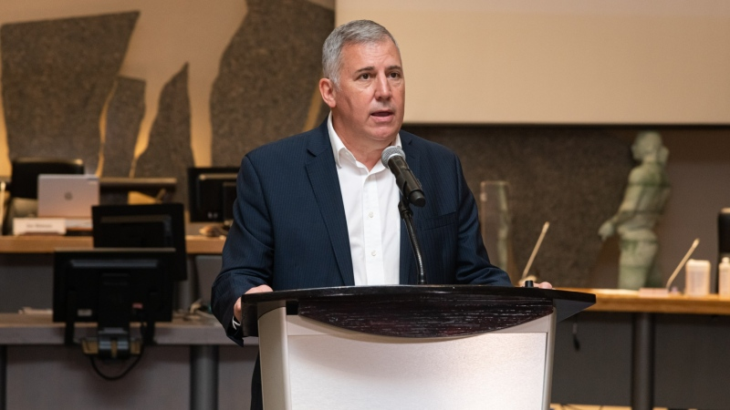 Anthony Di Monte speaks at Ottawa City Hall on Wed., Oct. 29, 2021, following recognition from the mayor and other city officials on his retirement. (Photo Credit: Phil Renaud – City of Ottawa)