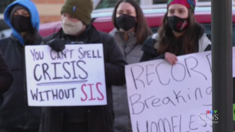 Rally against social assistance changes