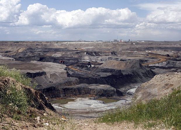 A portion of the Shell Albian Sands oilsands mine is seen from an overlook near Fort McMurray, Alta., Wednesday, July 9, 2008. (THE CANADIAN PRESS/Jeff McIntosh)