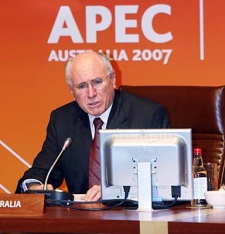 Australian Prime Minister John Howard speaks during a retreat of the Asia-Pacific Economic Cooperation's leaders' summit in Sydney on Saturday, Sept. 8, 2007. (AP Photo/Hoang Dinh Nam, POOL)