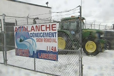 Avalanche Snow Removal has received dozens of phone calls from angry clients who want to know why their driveways weren't cleared after Wednesday's snow storm. (Dec. 10, 2009)