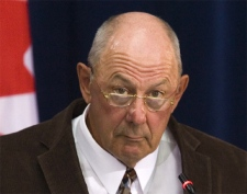 Former CSIS official James Warren testifies at the Air India inquiry in Ottawa, Sept. 19, 2007. (CP / Fred Chartrand)
