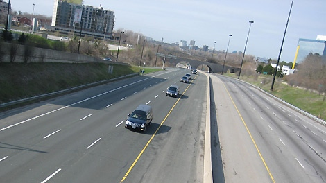 Procession moves down an empty Don Valley Parkway in April 2009, with the body of Maj. Michelle Mendes (CTV Photo)