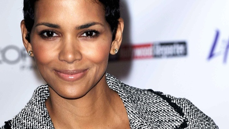 Halle Berry appears at The Hollywood Reporter's Annual Women in Entertainment Breakfast on Friday, Dec. 4, 2009 in Los Angeles. (AP / Earl Gibson III)