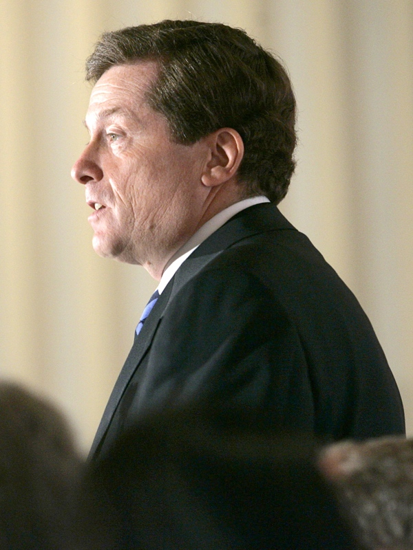 Ontario Progressive Conservative leader John Tory addresses the combined Empire and Canada Clubs in Toronto Thursday, Sept. 27, 2007. (THE CANADIAN PRESS / J.P. Moczulski)