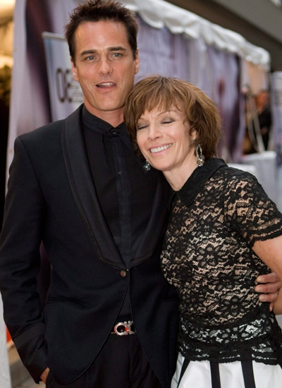 Director Paul Gross and his wife Martha Burns arrive for the premier of Passchendaele at the Toronto International Film Festival in Toronto, on Thursday, Sept. 4 2008. (Jonathan Hayward / THE CANADIAN PRESS)