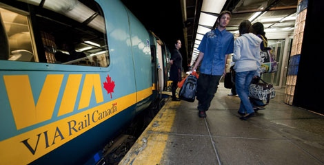 Passengers boarding the 5 pm VIA train to Toronto at Central Station in Montreal, Sunday, July 26, 2009. (Peter McCabe/THE CANADIAN PRESS)