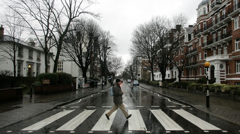 John Lennon S Abbey Road Suit Sells For 46 000 Ctv News