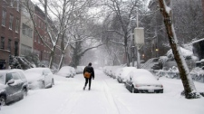 Snow covers the streets in the Cobble Hill neighborhood of the Brooklyn borough of New York, Friday, Feb. 26, 2010. (AP / Liz Schultz)