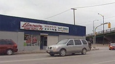 Eliminator-RC is located near the Disraeli Bridge and faces expropriation.