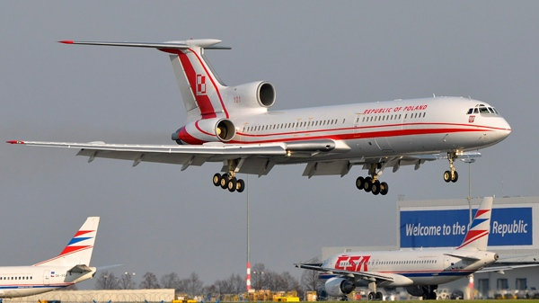 A Tupolev Tu-154M lands at Ruzyne airport in Prague, Czech Republic, on April 8, 2010. (AP / CTK, Mirek Kubicek)