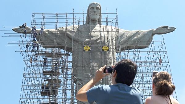 Rio's Christ the Redeemer statue marred by graffiti | CTV News