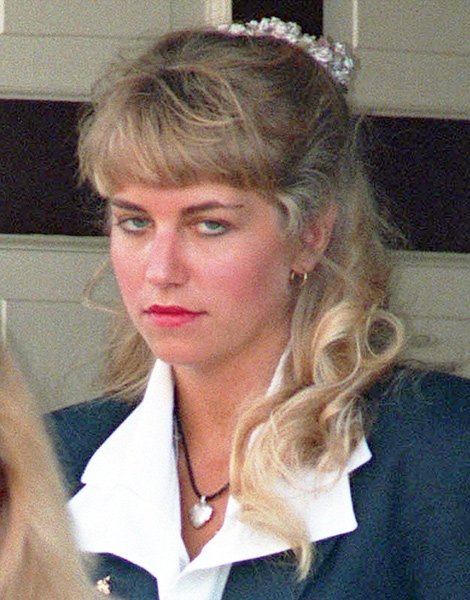 Karla Homolka in St. Catharines, Ont., on July 6, 1993. (Frank Gunn / THE CANADIAN PRESS)