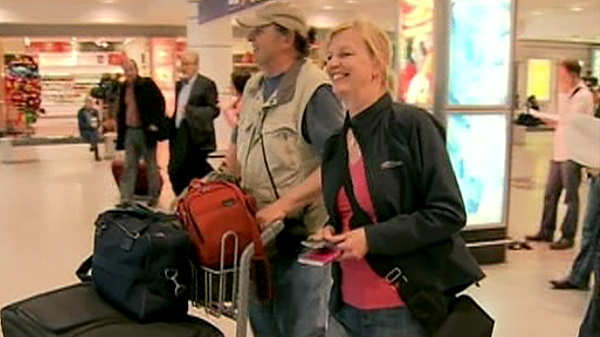 Canadians arrive at Montreal's Trudeau airport from Italy, Tuesday, April 20, 2010.