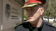 Ottawa Police Chief Vern White says police should consider an alternative justice approach to some minor crimes, such as possession of small quantities of marijuana.