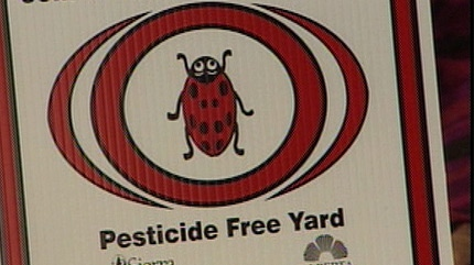 A coalition of moms, doctors, and specialists are calling for the city to ban the use of pesticides.