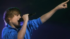 Justin Bieber performs at the Juno Awards Sunday, April 18, 2010 in St. John's, N.L.. (Mike Dembeck / THE CANADIAN PRESS)