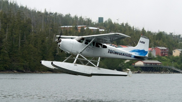 An Atleo Air Cessna 185 takes off, bringing back passengers from Hotsprings Cove, near Ahousat B.C., in this May 18, 2008 file photo. (Herb Martin / THE CANADIAN PRESS)