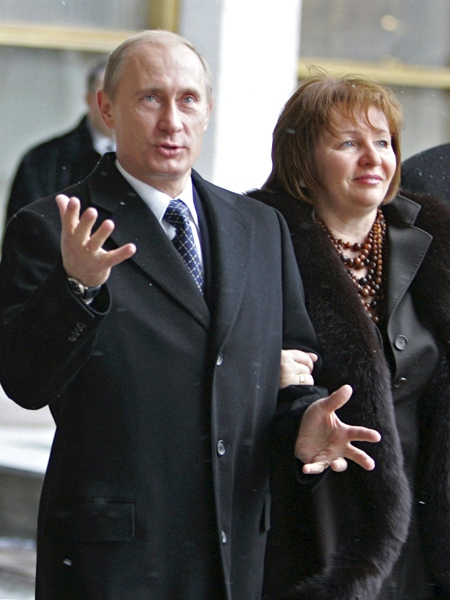 Lovers In Kremlin Romance Resemble Putin Wife Ctv News