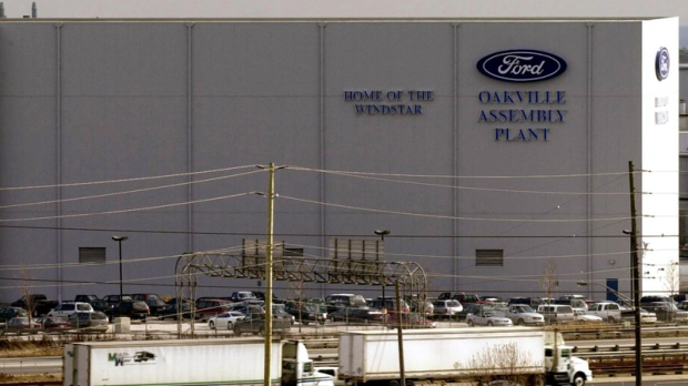 The Ford  Oakville  assembly plant photographed in Oakville Ont. Tuesday, Jan. 8, 2002. (Aaron Harris / THE CANADIAN PRESS)