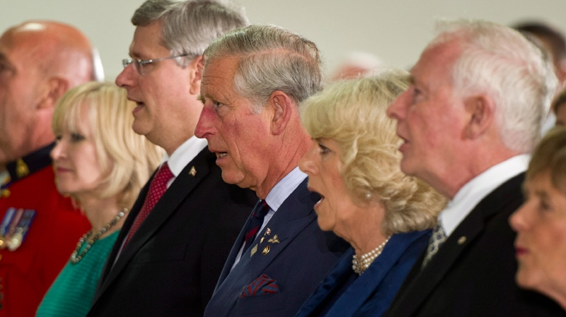 Laureen Harper, Prime Minister Stephen Harper, Prince Charles, his wife Camilla and Governor General David Johnston sing the national anthem at a Government of Canada concert and reception in Regina, on Wednesday, May 23, 2012. (Paul Chiasson / THE CANADIAN PRESS)