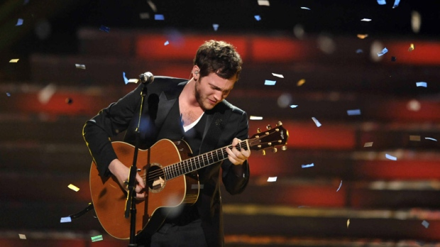 Winner Phillip Phillips performs onstage at the American Idol Finale on Wednesday, May 23, 2012 in Los Angeles. (John Shearer / Invision)