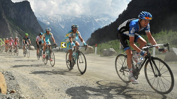 Canada's Ryder Hesjedal pedals during the 20th stage of the Giro d'Italia cycling race, Saturday, May 26, 2012. (AP / Daniele Badolato)