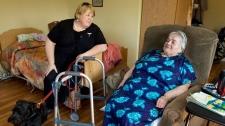 Dr. Ellen Jost, left, visits Joan Harnish at a nursing home in Dartmouth, N.S. on Thursday, June 18, 2009. (Andrew Vaughan / THE CANADIAN PRESS)