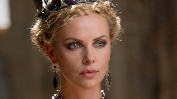 Charlize Theron Snow White Makeup Charlize Theron rules ...