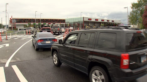 Drivers line up to cross into Canada at the Pacific Highway crossing in Blaine, WA. June 1, 2012. (CTV)