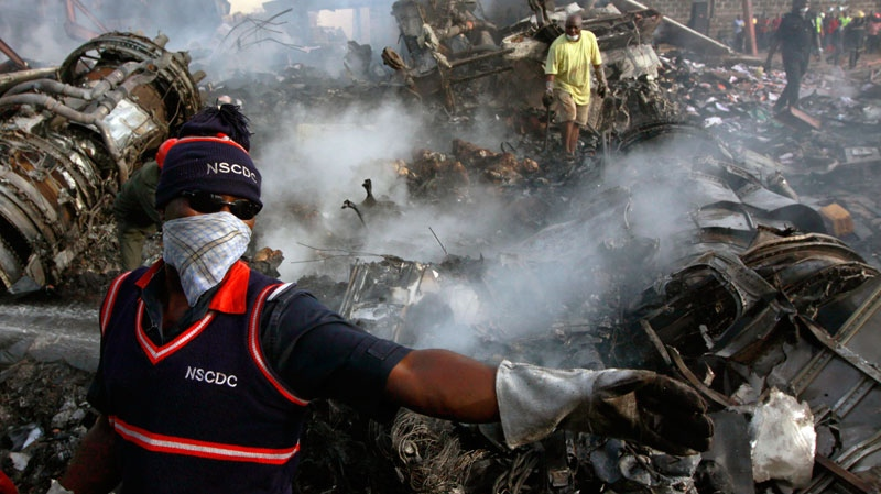 nigeria, plane crash, rescuers, recovery, search,