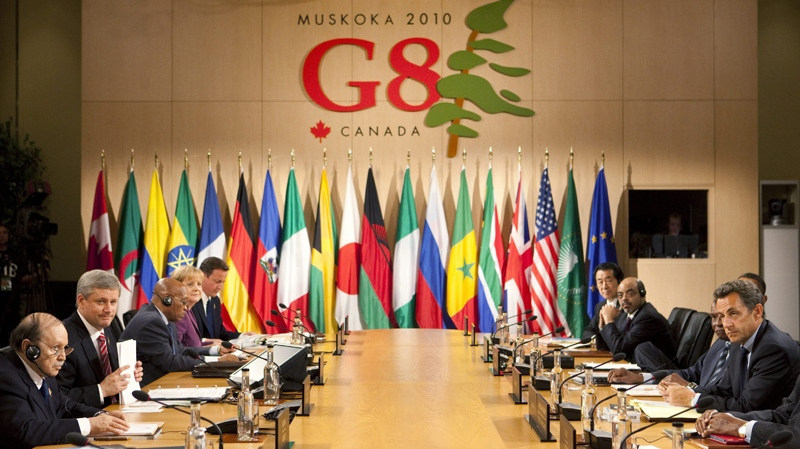 Prime Minister Stephen Harper, second from left, leads a G-8 working session with the African outreach leaders G8 Summit in Huntsville, Ont., on Friday, June 25, 2010. (Sean Kilpatrick / THE CANADIAN PRESS)