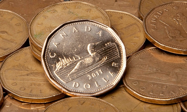 Canadian dollars are pictured in Vancouver, B.C. in this file photo. (Jonathan Hayward / THE CANADIAN PRESS)