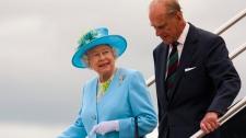 Queen Elizabeth and the Duke of Edinburgh arrive in Ottawa on Wednesday June 30, 2010.  (Sean Kilpatrick / THE CANADIAN PRESS)