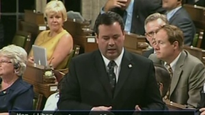 Immigration Minister Jason Kenney apologizes for 'inappropriate' email