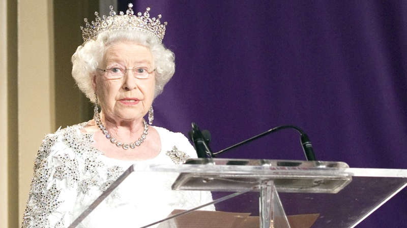 Queen Elizabeth II speaks at a state dinner in Toronto on Monday July 5, 2010. (Frank Gunn / THE CANADIAN PRESS)