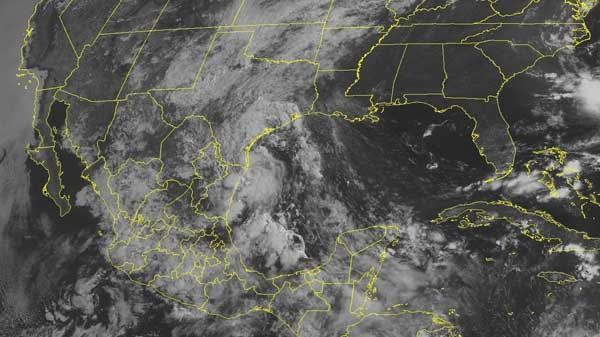 This NOAA satellite image taken Thursday, July 08, 2010 at 10:45 AM EDT shows clouds develop along a front that stretches from the Great Lakes into the Southern Plains.  (AP / WEATHER UNDERGROUND)