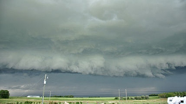 Calgarians pelted by severe thunderstorms on Friday