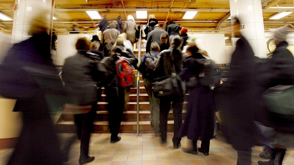 GO train commuters rush through the concourse and to the platforms at Toronto's Union Station Tuesday, March 4, 2008. (J.P. Moczulski / THE CANADIAN PRESS)