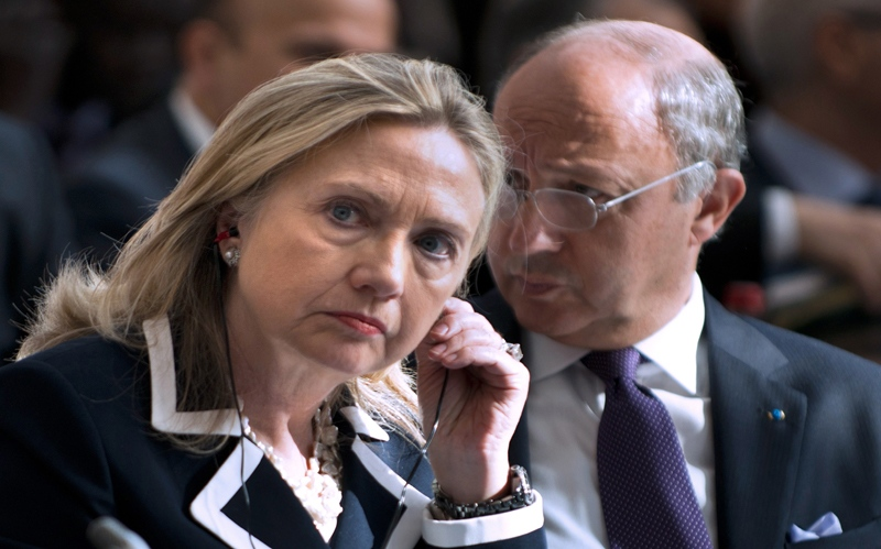 US Secretary of State Hillary Rodham Clinton and French Foreign Minister Laurent Fabius at the 'Friends of Syria' conference in Paris, on Friday, July 6, 2012. (AP / Brendan Smialowski, Pool)