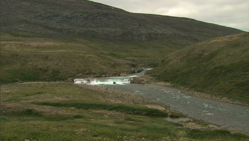 Visitors can have a picnic next to a rushing river or fish for arctic char in Sylvia Grinnell Territorial Park, which is located a short, 30-minute walk from the centre of Iqaluit.
