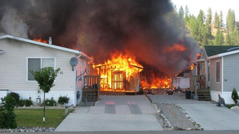 A fire tore through several homes in Vernon, B.C., on July 23, 2010. (Mike McClure)