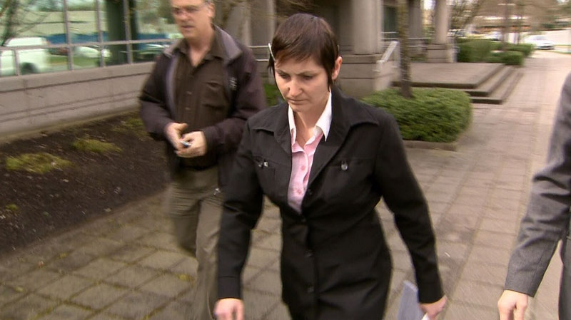 Natasha Warren heads into Surrey provincial court on Friday, July 13, 2012, prior to entering a guilty plea in the crash that killed Kassandra Kaulius in Surrey last year. (CTV)