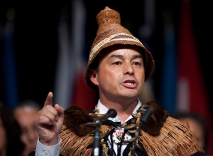 Shawn Atleo speaks after being re-elected as national chief of the Assembly of First Nations in Toronto on Wendsay, July 18, 2012. (Michelle Siu / THE CANADIAN PRESS)