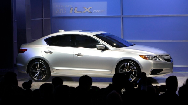 2013 Acura ILX luxury compact sedan