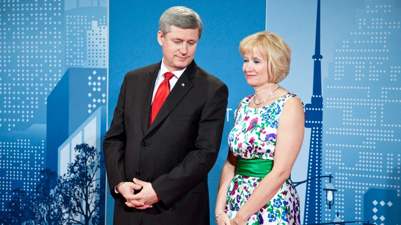 Prime Minister Stephen Harper and his wife Laureen during a official dinner at the G20 Summit Saturday, June 26, 2010 in Toronto. (Paul Chiasson /THE CANADIAN PRESS IMAGES)