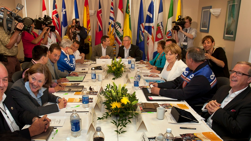 Premiers and aboriginal leaders prepare for a meeting in Lunenburg, N.S. on Wednesday, July 25, 2012. (Andrew Vaughan / THE CANADIAN PRESS)